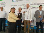 """Entregan Medallas """"Forjando Talentos"""" al CBTIS 105 de Altamira"""