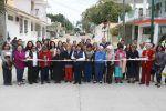 Entrega Magdalena Peraza pavimentación de calle Saltillo en la colonia Obrera