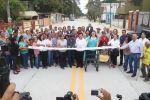 Inaugura gobierno de Tampico calle Primera en la colonia Laguna de la Puerta.