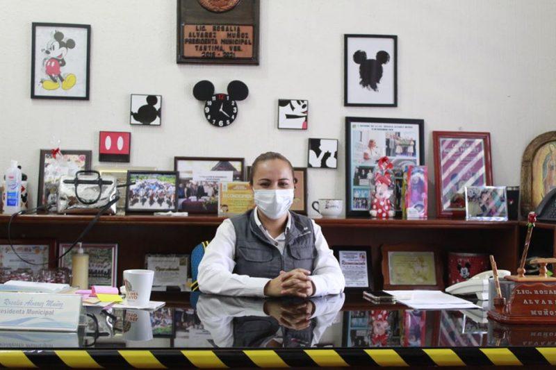 Resolviendo necesidades: Alcaldesa de Tantima atiende población en lunes ciudadano